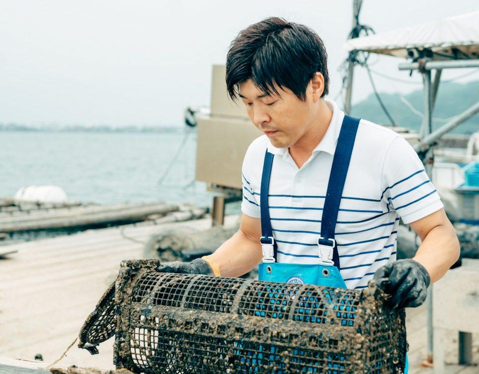 月刊「養殖ビジネス」。カキ養殖を進化させるシングルシードに挑戦者たち / 福岡県・糸島